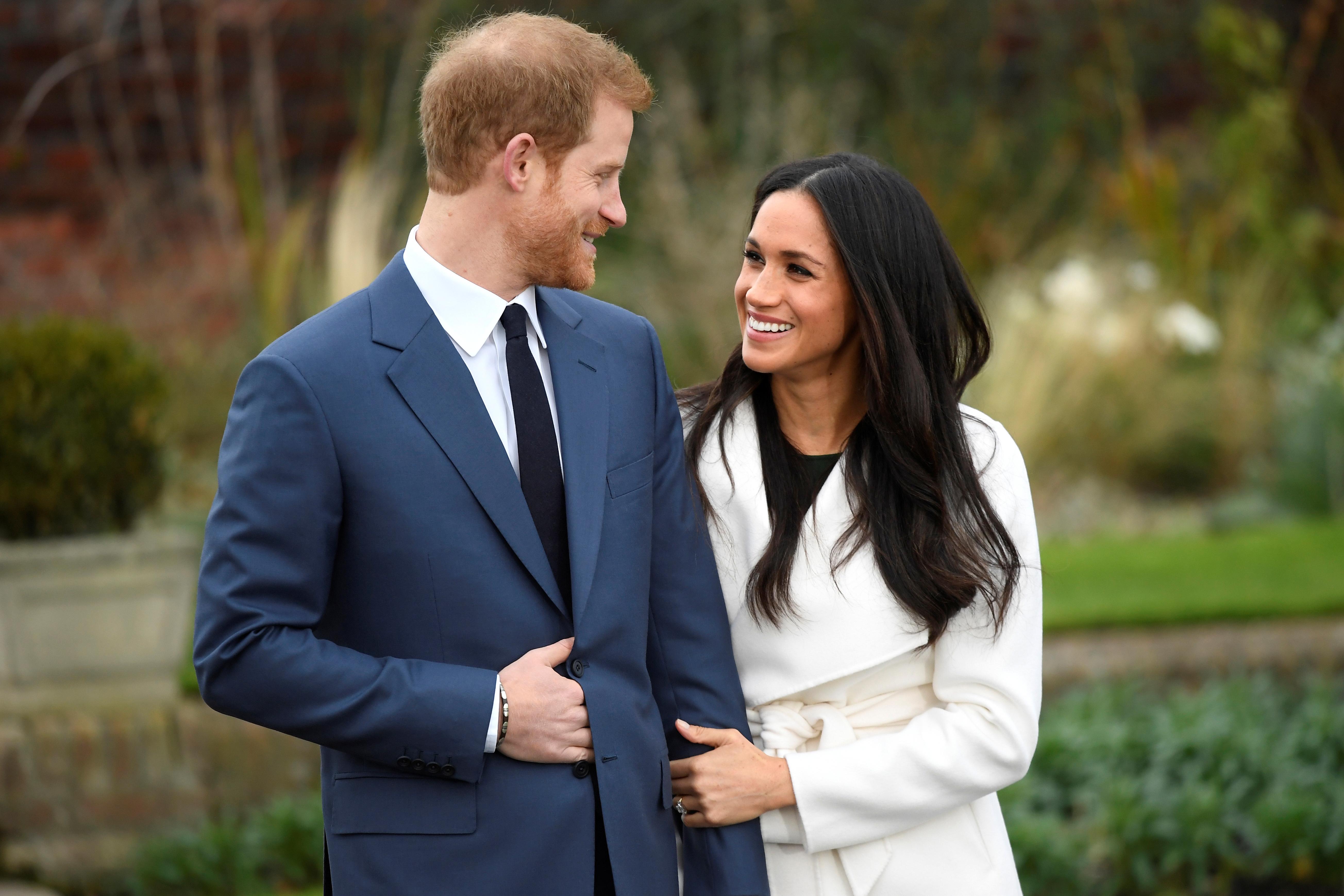 מדהים המלוכה מרגשת את כולם'': הנסיך הארי התארס לשחקנית מייגן מרקל NL-57
